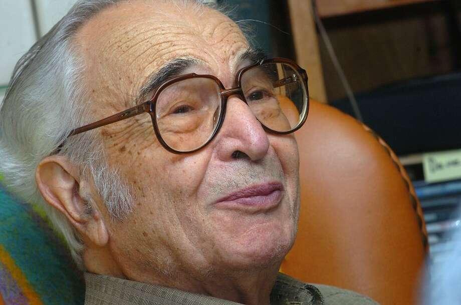 Photo/Alex von kleydorff/ the Hour newspapers Dave Brubeck in his Wilton home November 2006