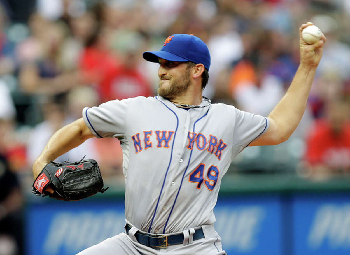 New York Mets starting pitcher Jonathon Niese delivers against the Cleveland Indians in the first inning of a baseball game Saturday, Sept. 7, 2013, in Cleveland. (AP Photo/Mark Duncan)