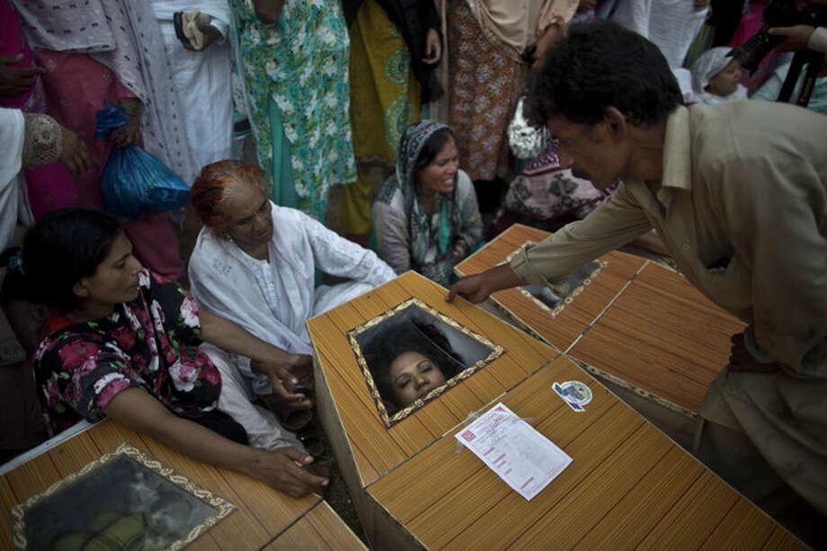 Suicide attack on Pakistani church kills 78 people