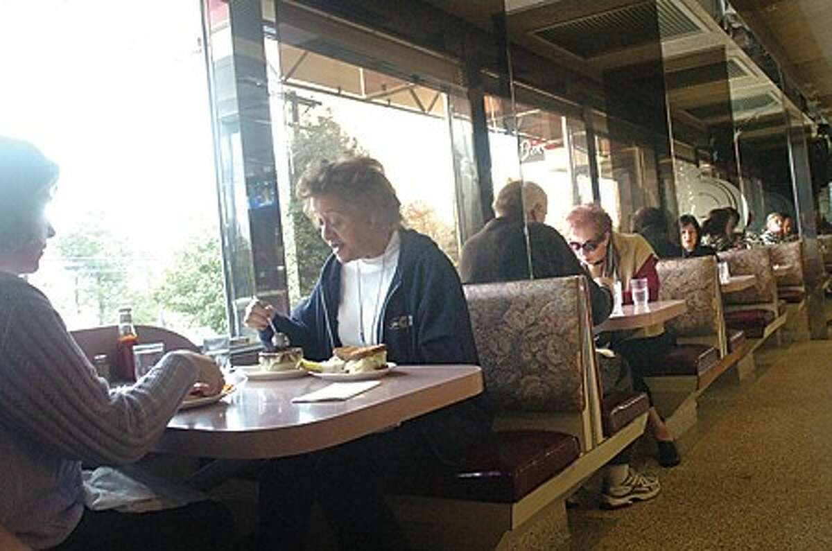The Silver Star diner in Norwalk at lunch time. It is celebrating it''s 30th year. hour photo/matthew vinci