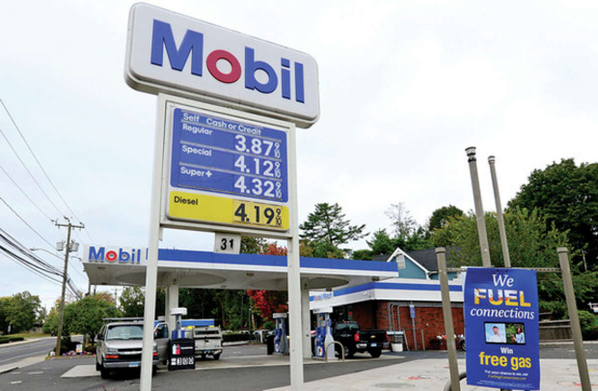 Hour photo / Erik Trautmann The Mobil gas station on Westport Ave was reportedly robbed Thursday night.