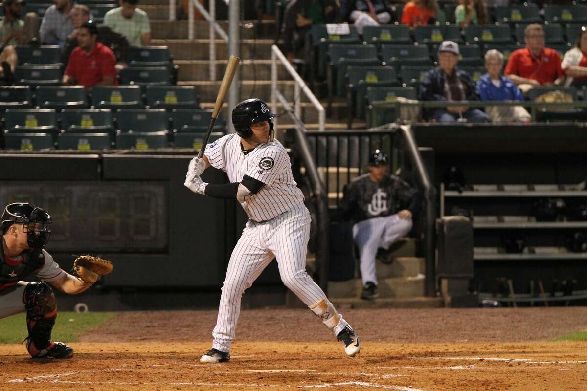 3. D.J. Peterson Age: 24 | First base | Jackson Generals (AA) 2016 stats: 64 games, .253 batting average, .325 on-base percentage, .424 slugging percentage, 18 doubles, eight homers, 35 RBIs, 24 walks, 60 strikeouts Notes: Peterson hasn't been the fast riser that some projected when the Mariners took him in the first round (12th overall) of the 2013 MLB draft, but the New Mexico product's bat appears to finally be coming around after a bad 2015 and a slow start this season. In June, Peterson is hitting .283 with five doubles, three homers and eight RBIs in 15 games.