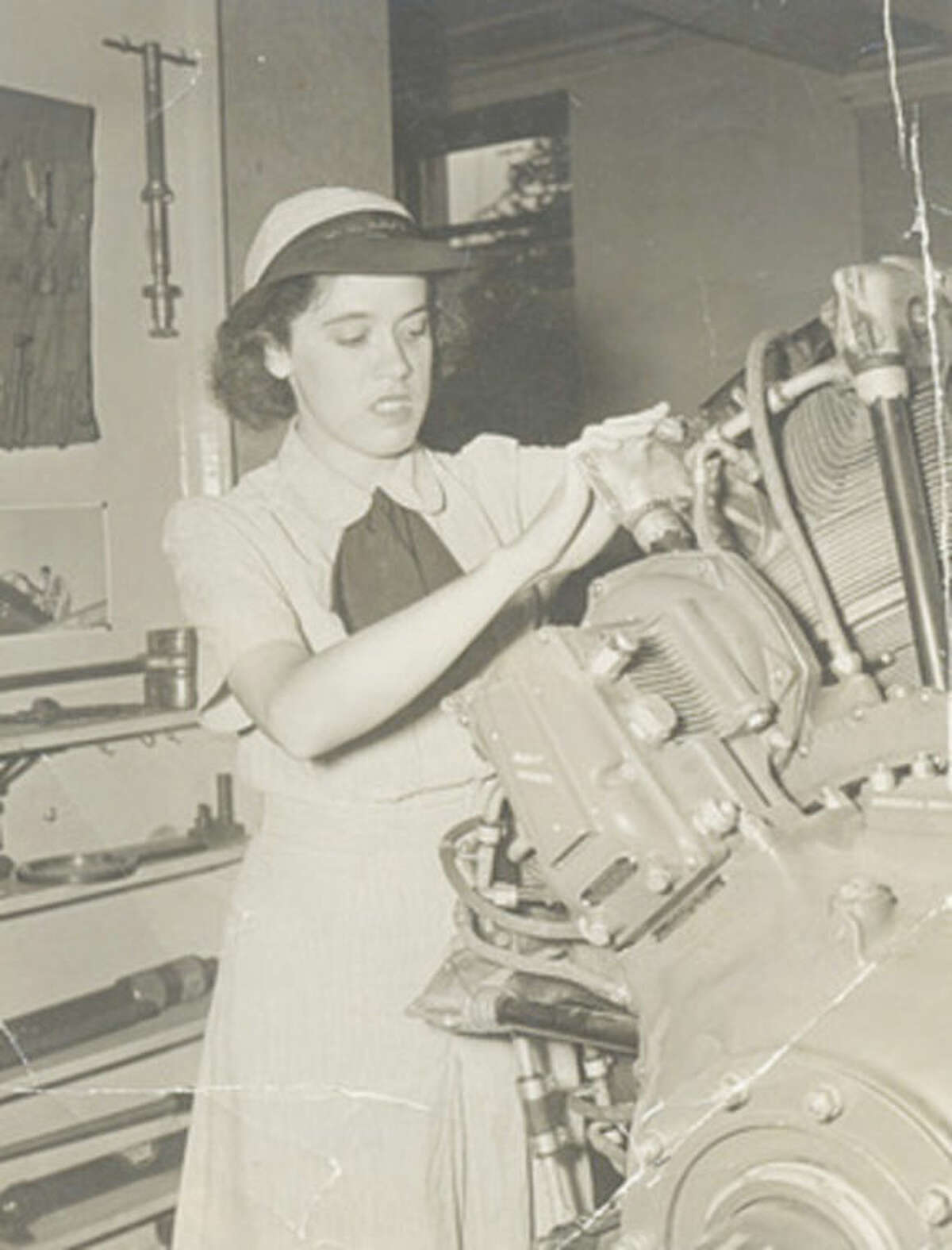 Contributed photo Catherine Tobin Neal posing for a 1944 Navy recruiting poster while serving as a WAVE in Washington D.C.