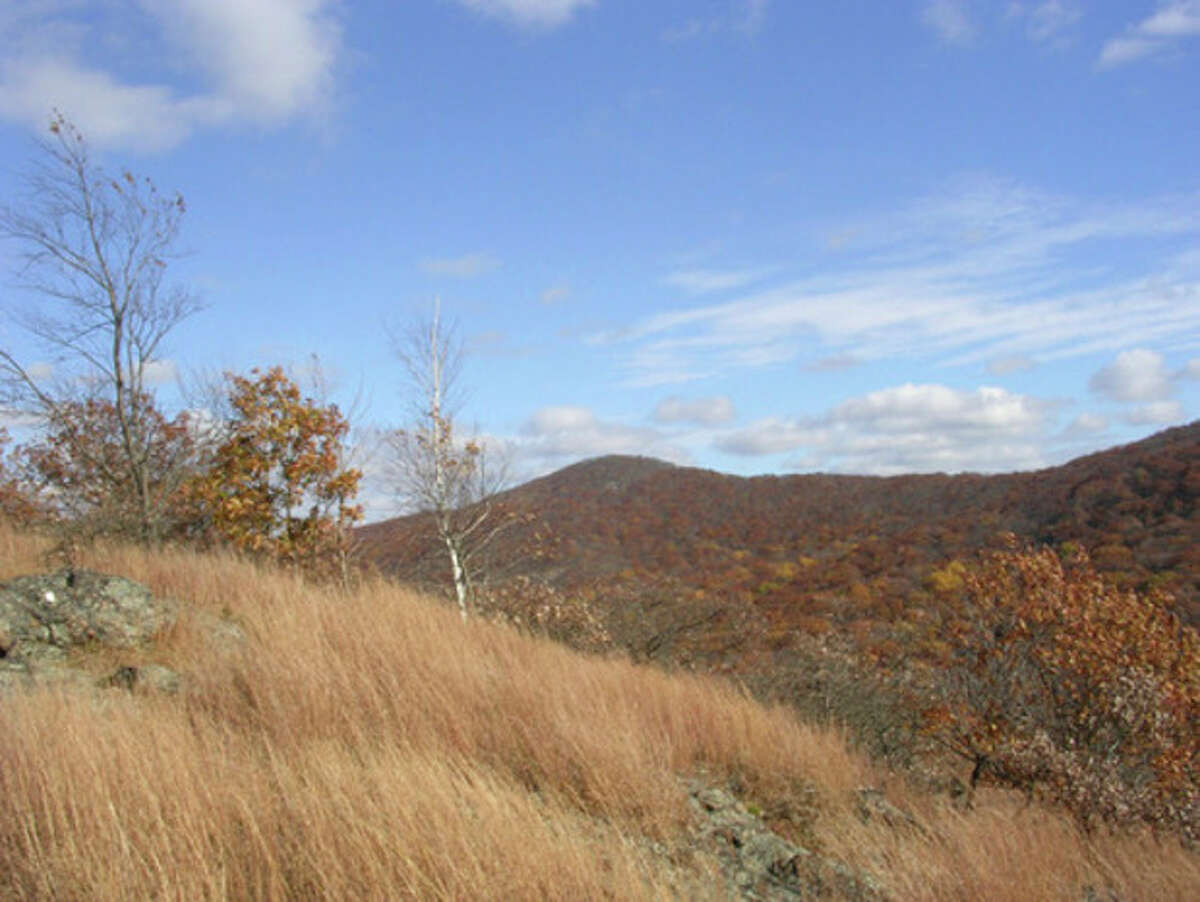 Breakneck Ridge from Sugarloaf Mountain.