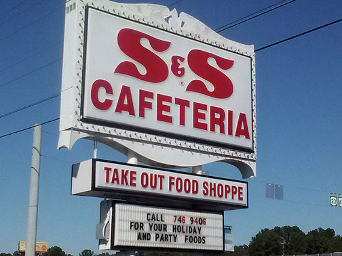 Photo by Frank Whitman The S & S Cafeteria - A Macon institution for generations.