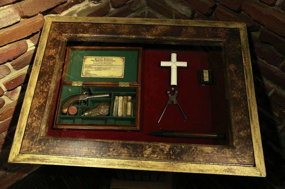 This undated image released by Ripley's Times Square Odditorium shows a vampire killing kit from India at Ripley's Times Square Odditorium in New York. The item is one of many from a featured collection up for sale until Dec. 24. (AP Photo/Ripley's Times Square Odditorium) / Ripley's Times Square Odditorium