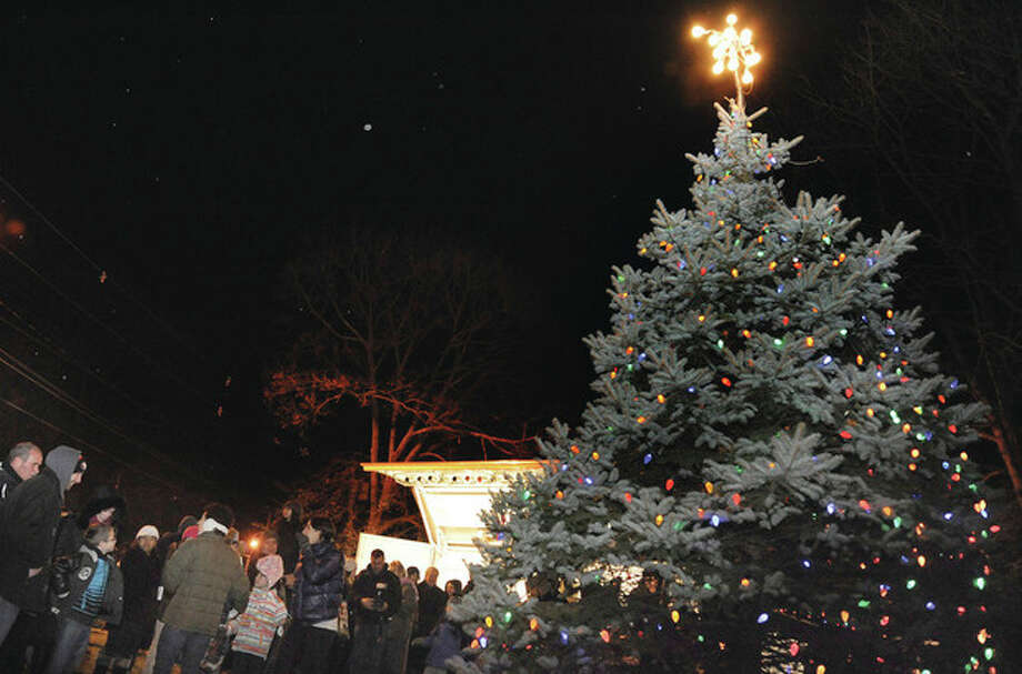 The third taxing district's annnual Christmas tree lighting Sunday night at Fitch Park in Norwalk. Hour photo/ Matthew Vinci
