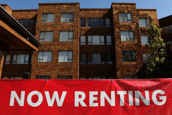 SAN FRANCISCO - JULY 08:  A sign advertising  apartments for rent is displayed in front of an apartment complex July 8, 2009 in San Francisco, California. As the economy continues to falter, vacancy rates for U.S. apartments have spiked to a twenty two year high of 7.5 percent, just short of the record high of 7.8 percent set in 1986.  (Photo by Justin Sullivan/Getty Images)