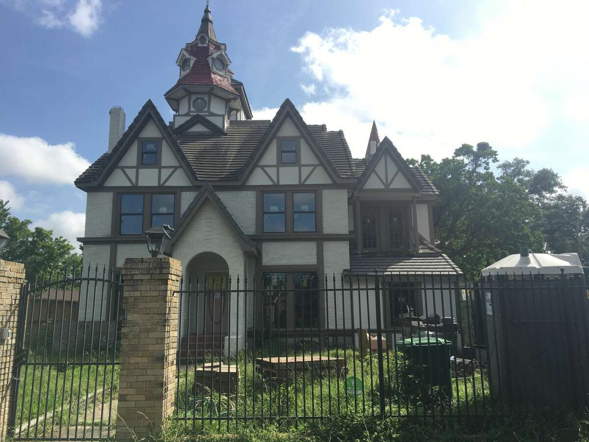 The home sold in early 2014 and the new owner, real estate developer Nick Ugarov, has spent the past year finishing the work that the original owner had planned for it, and even adding to it where he could.