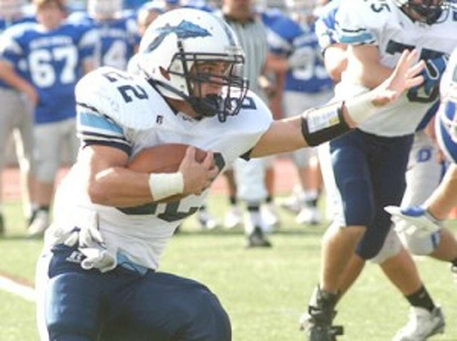 Wilton Football Postgame Notebook — Baird's injury is not what the Warriors needed