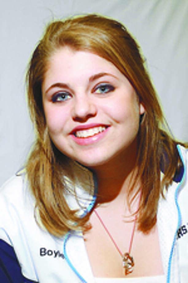 Steohanie Boyles, Wilton hoops