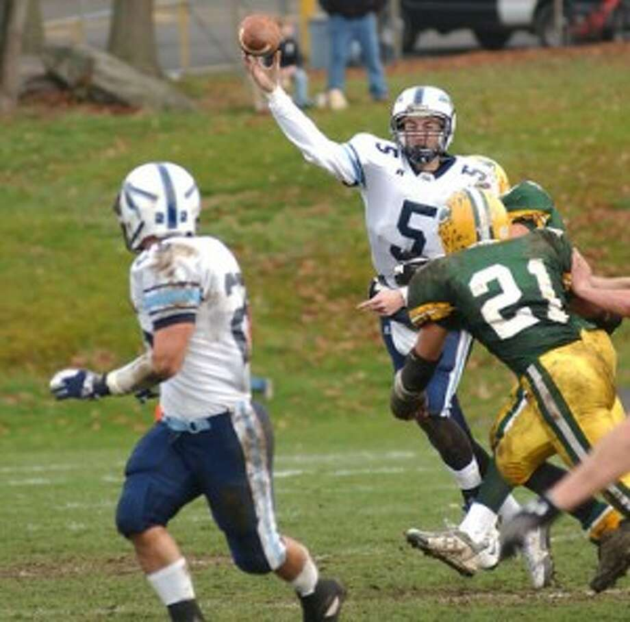 FOOTBALL POSTGAME NOTEBOOK — Wilton drops Thanksgiving game (with video)