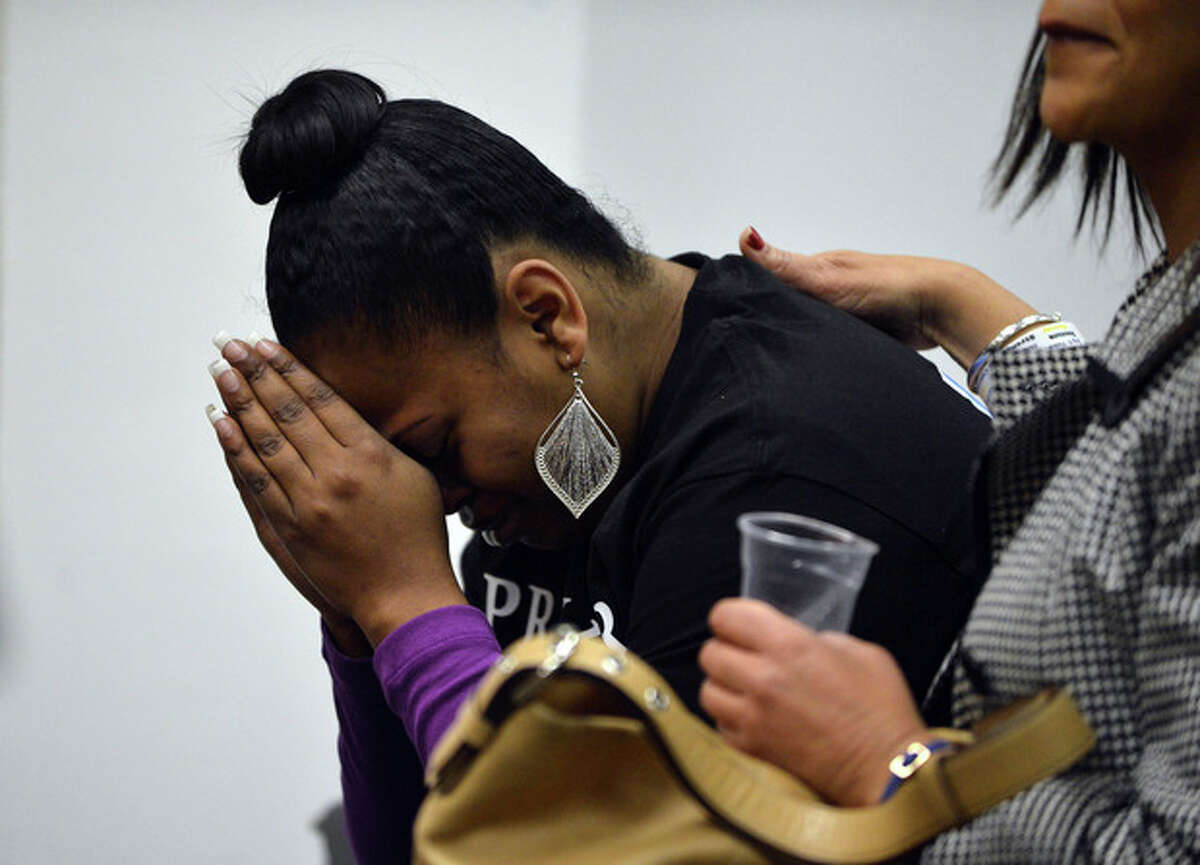 Nailah Winkfield, mother of Jahi McMath, attends a court hearing to discuss the treatment of her daughter in Oakland, Calif., on Monday, Dec. 23, 2013. McMath, 13, remains on a ventilator at Children's Hospital Oakland after suffering complications following a tonsillectomy surgery. (AP Photo/The Contra Costa Times, Kristopher Skinner)