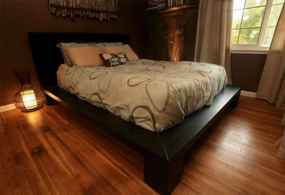 This platform bed. MCT photo