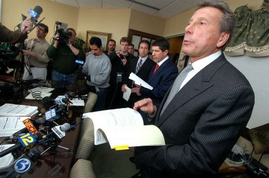 Photo/Alex von Kleydorff. Attorney Charles Willinger Jr. with the law firm Willinger,Willinger & Bucci in Bridgeport, prepares to speak at a press conference representing The family of Charla Nash, who last month was mauled by a 200-pound chimp in Stamford CT, filed preliminary legal papers Monday seeking $50 million in assets.