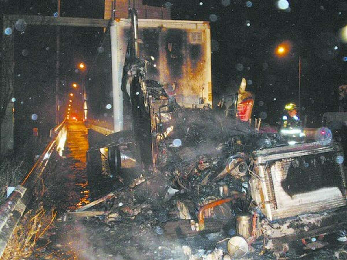 Driver escapes injury in I-95 truck fire