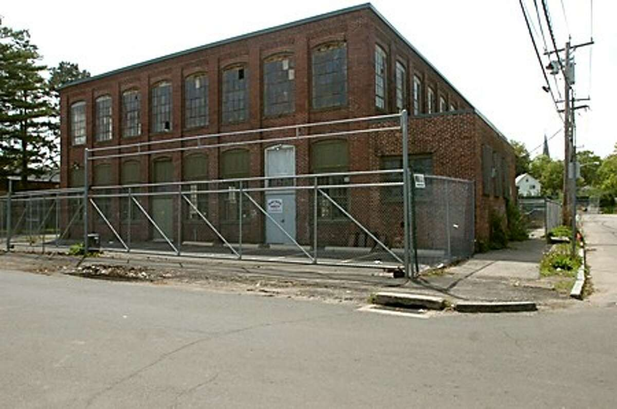 Norwalk Emergency Shelter will move from 4 Merritt St. to existing building at nearby 2 Merritt Place. Zoning Commission subcommittee will begin reviewing plans Thursday night/hour photo matthew vinci