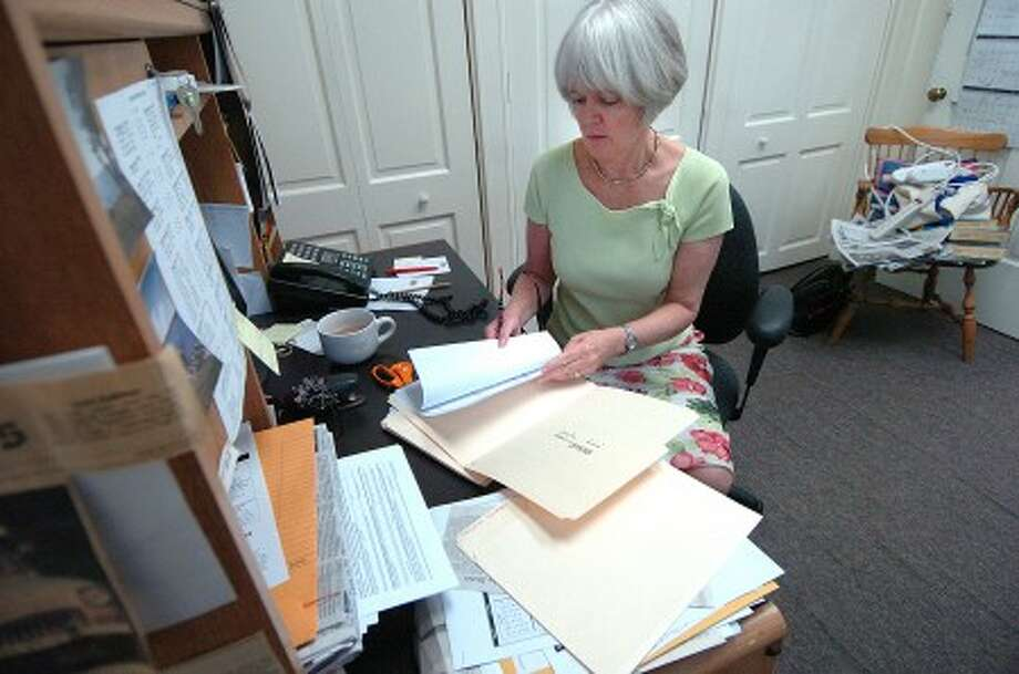 Photo/Alex von Kleydorff. Peggy Reeves in her Town Hall office.