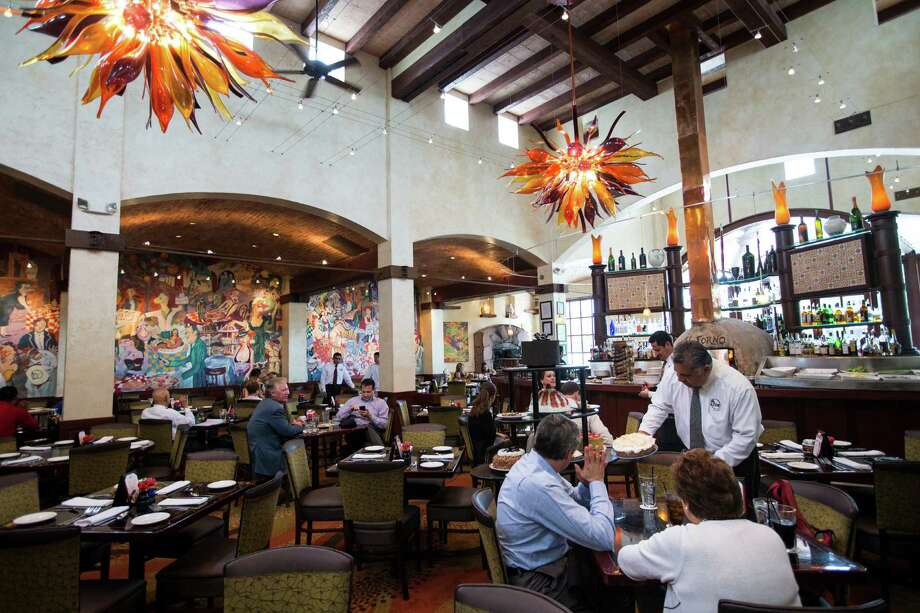 Grotto Italian restaurants are owned by Landry's. Photo: Brett Coomer, Houston Chronicle / © 2016 Houston Chronicle