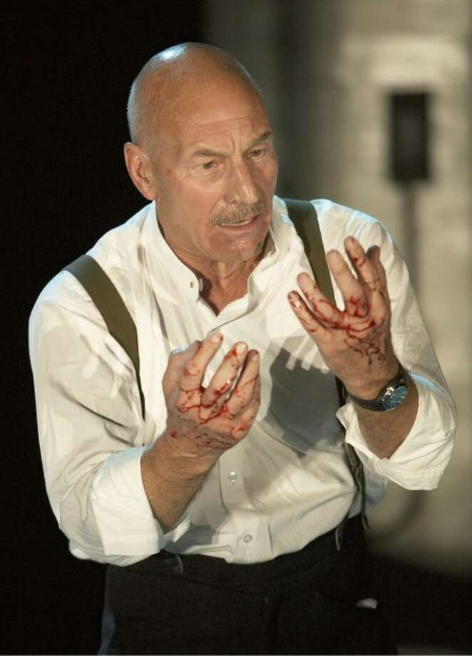 Patrick Stewart as MacBeth. Photo by Manuel Harlan.