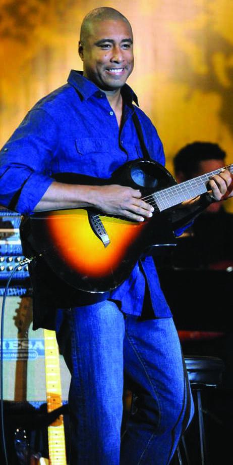 Bernie Williams to perform at Ridgefield Playhouse