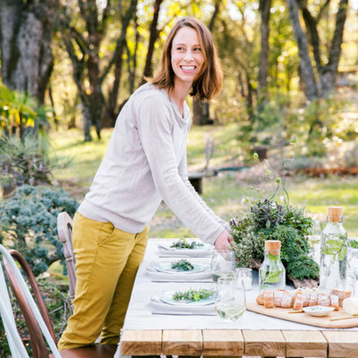 Garden to tabletop You might think the humble herb doesn't have a lot of star power. Let Caitlin Atkinson convince you otherwise. The photographer and stylist literally wrote the book on crafting with plants (Plant Craft, out from Timber Press in fall 2016), so when her family gathers for dinner in her grandmother's garden in Nevada City, California, Atkinson is almost always on decorating duty. Lately, thyme, rosemary, and other culinary standbys are finding their way onto her table as easy flourishes and softly scented centerpieces.