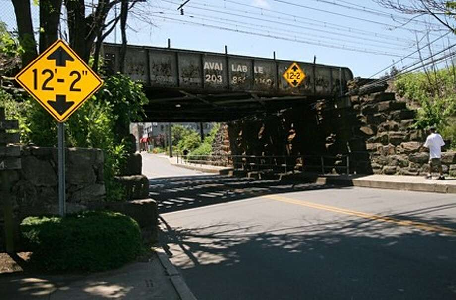 The Metro North Railroad bridge over East Avenue in Norwalk Sunday morning. Hour Photo / Danielle Robinson