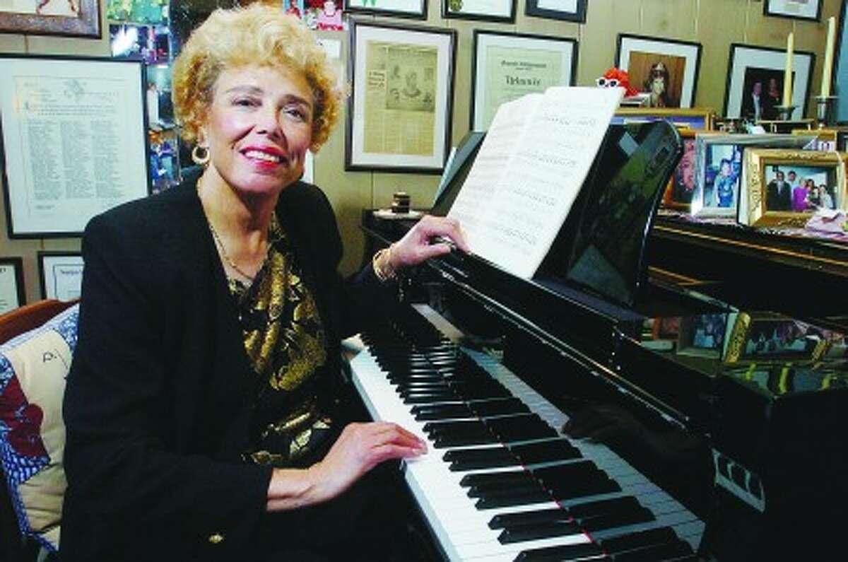 Photo/Alex von Kleydorff. Opera singer Betty Jones in her Wilton home in 2006