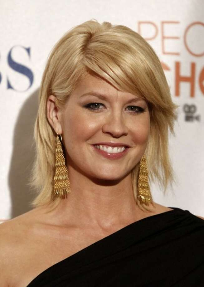 In this Jan. 6, 2010 file photo, actress Jenna Elfman poses in the press room at the People''s Choice Awards in Los Angeles. (AP Photo/Matt Sayles, file)