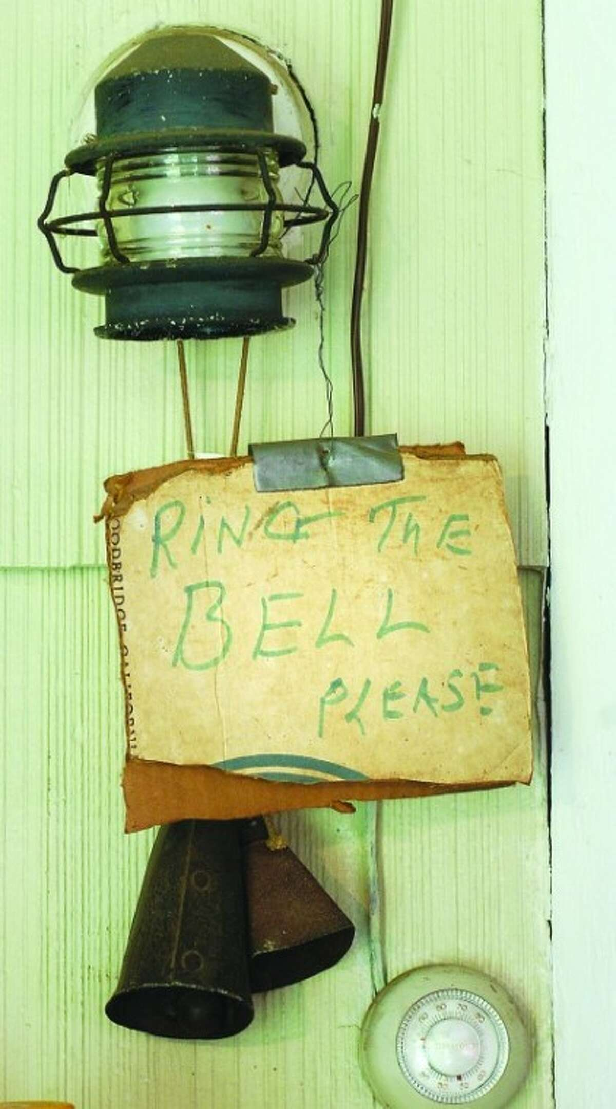 Photo/Alex von Kleydorff. If no one is minding the farm stand, some instructions.
