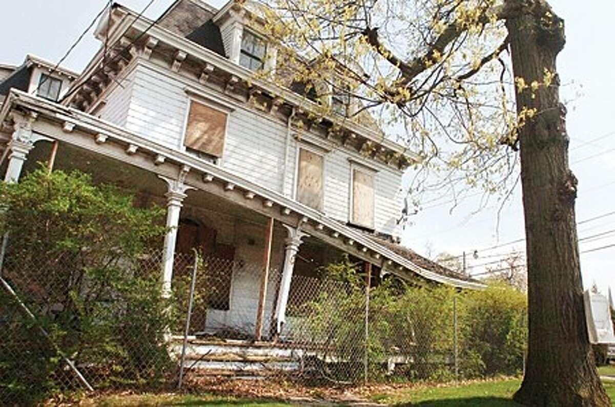 The Grumman-St. John house at 93 East avenue in Norwalk. hour photo/matthew vinci