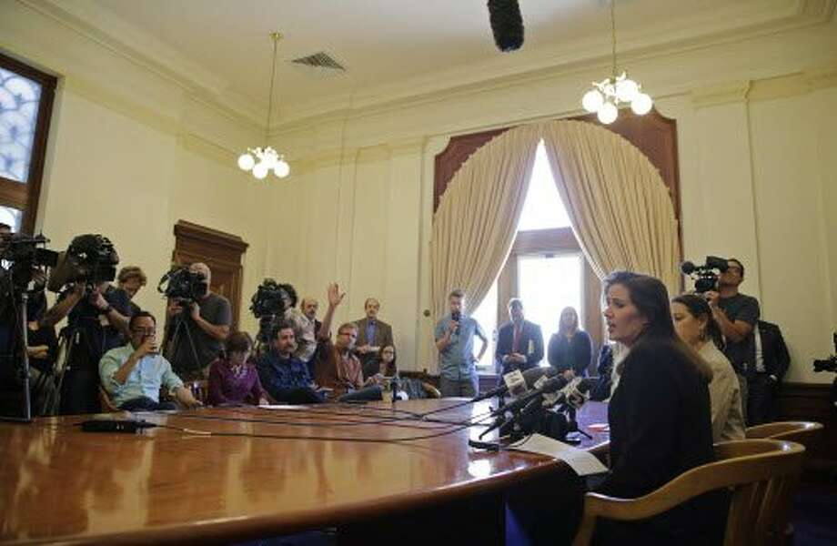Oakland Mayor Libby Schaaf faces reporters during a news conference at City Hall on Wednesday. Photo: Eric Risberg, Associated Press
