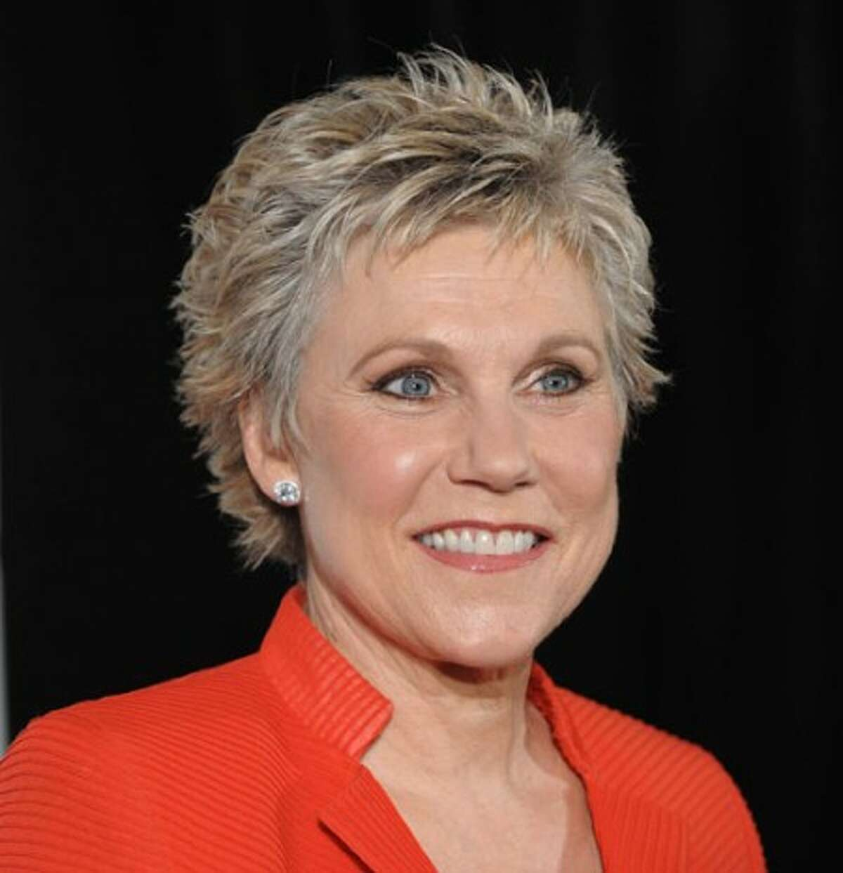 FILE - In this June 19, 2008 file photo, inductee Anne Murray arrives at the 2008 Songwriters Hall of Fame induction ceremony in New York. (AP Photo/Peter Kramer, file)