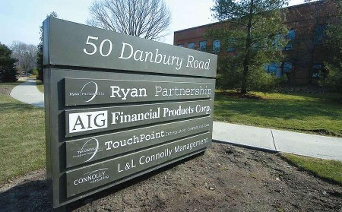 Ex-Treasury Sec Paulson to address AIG bailouts