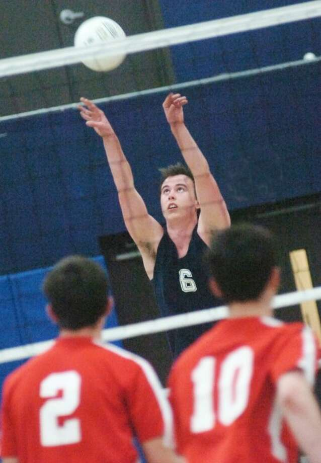Andrew Glenn Staples boys volleyball vs. Greenwich on Monday. hour photo/matthew vinci