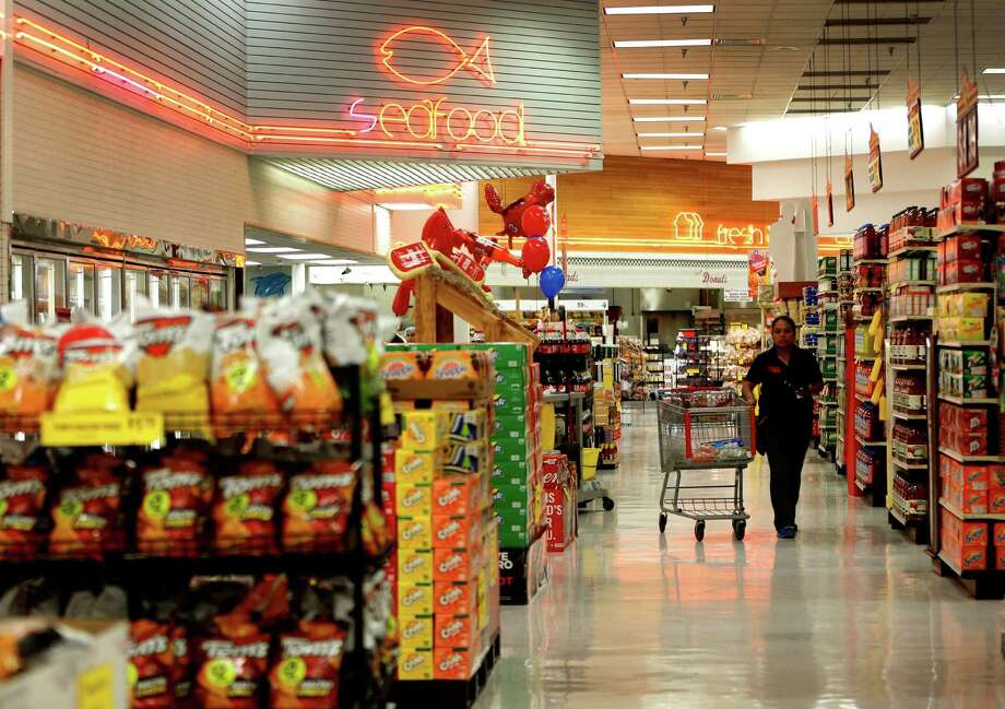 at Fiesta Mart at 8130 Kirby Drive, Monday, May 23, 2016. Fiesta Mart is one of the top 10 private companies in the Chronicle 100 special section. Photo: Karen Warren, Houston Chronicle / © 2016 Houston Chronicle