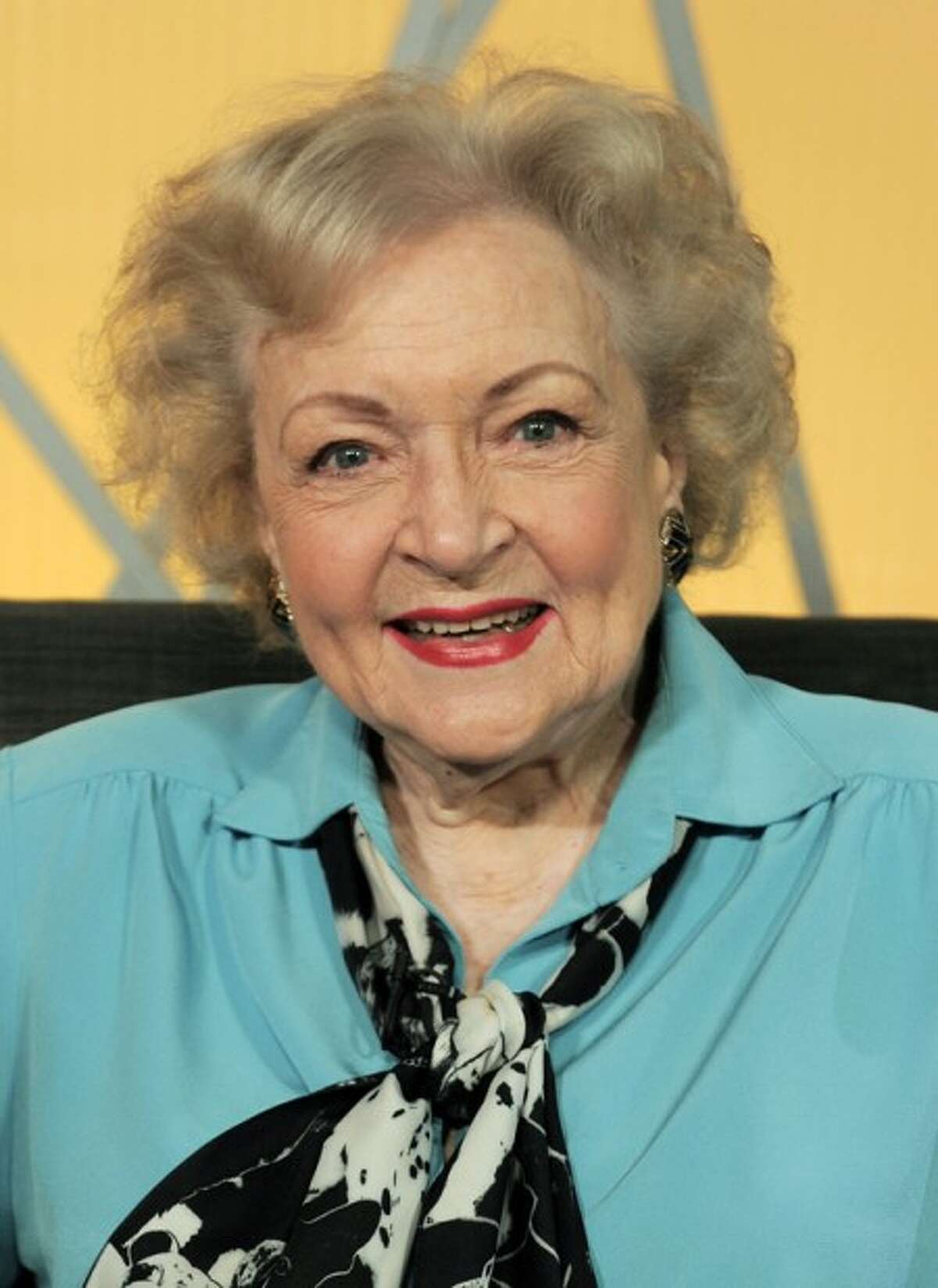 FILE - In this Nov. 29, 2009 file photo, actress Betty White poses for a portrait in Burbank, Calif. (AP Photo/Chris Pizzello, file)