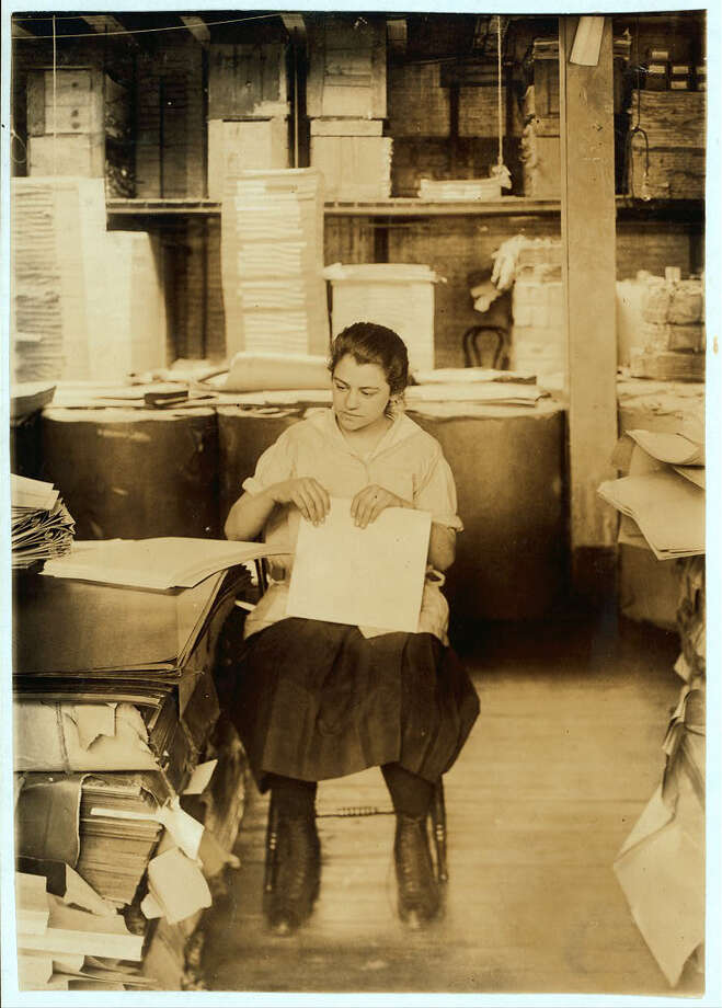 """Folding filing-folders. Boston Index Card Co., 113 Purchase Street. Boston, Mass. Location: Boston, Massachusetts, (Jan. 31, 1917)."" -Library of Congress. Photo by Lewis Wickes Hine. Photo: Library Of Congress, By Lewis Wickes Hine"