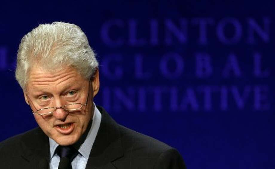 Ex-President Clinton undergoes heart procedure