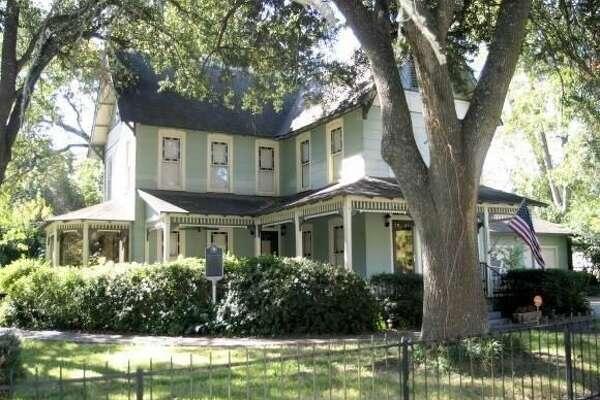701 W. Cypress Ave., Orange, Texas 77630    $132,000. 3 bedrooms; 2 full bathrooms. 2,408 sq. ft., 0.34 acres.