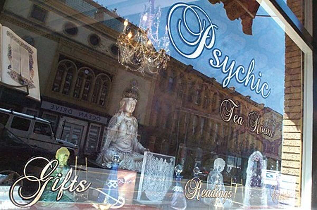 The new Psychic Tea Room on Washington Street in South Norwalk. photo/matthew vinci