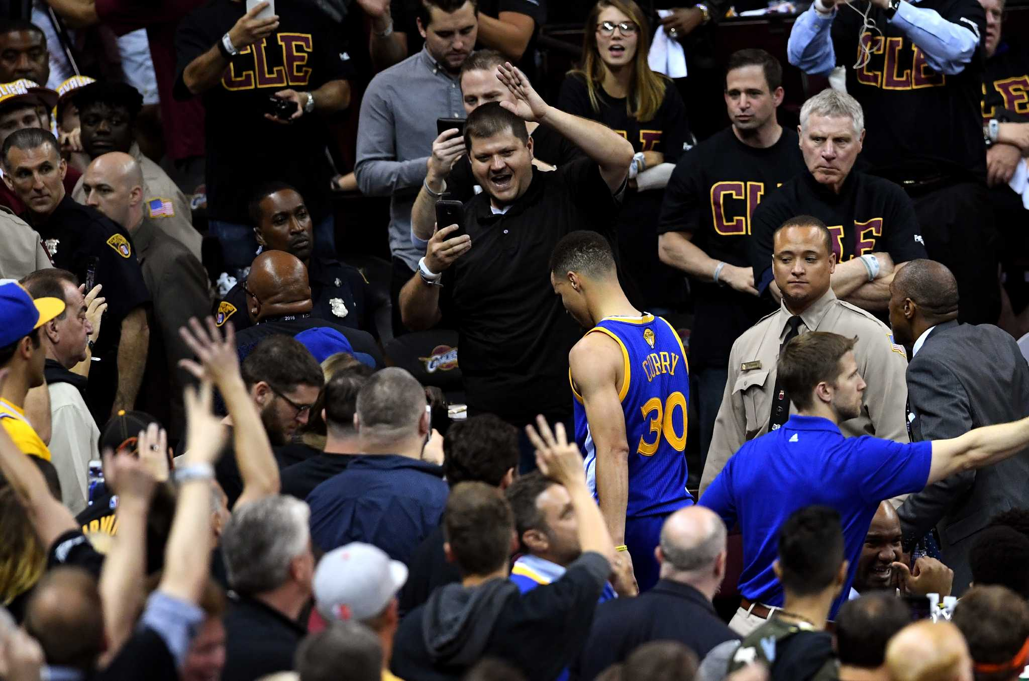 Stephen Curry will fight more than just emotions in Game 7
