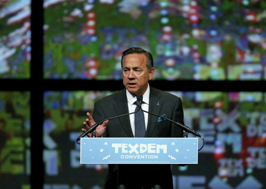 Sen. Carlos Uresti speaks during the 2016 Texas Democratic Convention held Friday June 17, 2016 at the Alamodome. Photo: Edward A. Ornelas, Staff / San Antonio Express-News / © 2016 San Antonio Express-News
