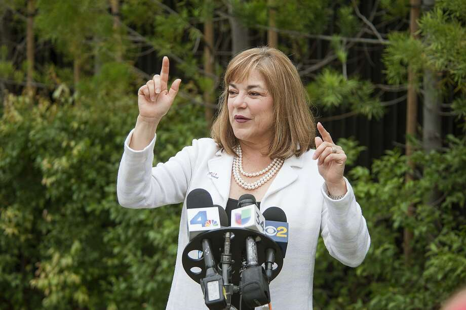 Rep. Loretta Sanchez, D-Santa Ana, will face fellow Democrat Harris under California primary rules that send the top two vote-getters on to November. Photo: Ken Steinhardt, Associated Press