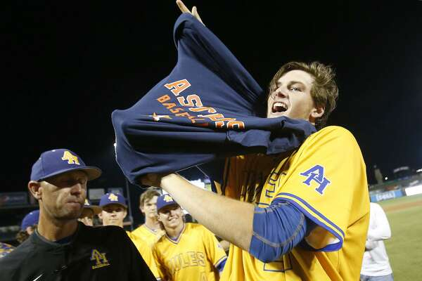Astros' top prospect, ex-Alamo Heights star Forrest Whitley