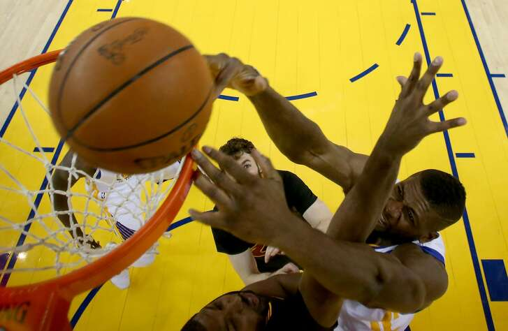 OAKLAND, CA - JUNE 19:  Festus Ezeli #31 of the Golden State Warriors dunks the ball against the Cleveland Cavaliers in Game 7 of the 2016 NBA Finals at ORACLE Arena on June 19, 2016 in Oakland, California. NOTE TO USER: User expressly acknowledges and agrees that, by downloading and or using this photograph, User is consenting to the terms and conditions of the Getty Images License Agreement.  (Photo by Ezra Shaw/Getty Images)