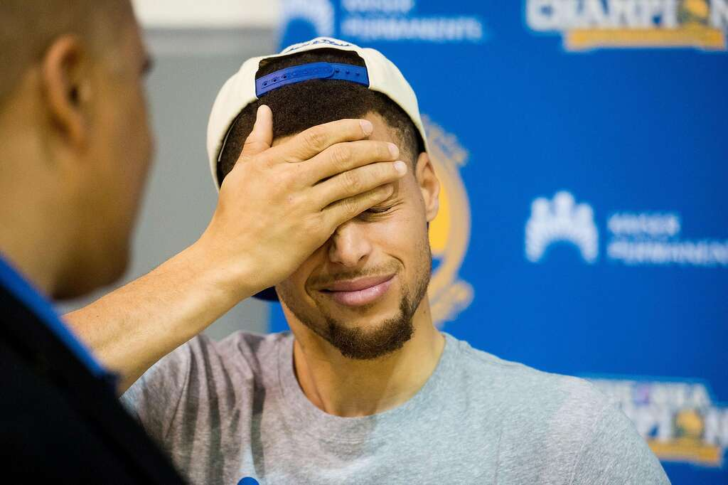 Golden State Warrior Stephen Curry discusses his team\u0027s season and  championship loss during a press conference