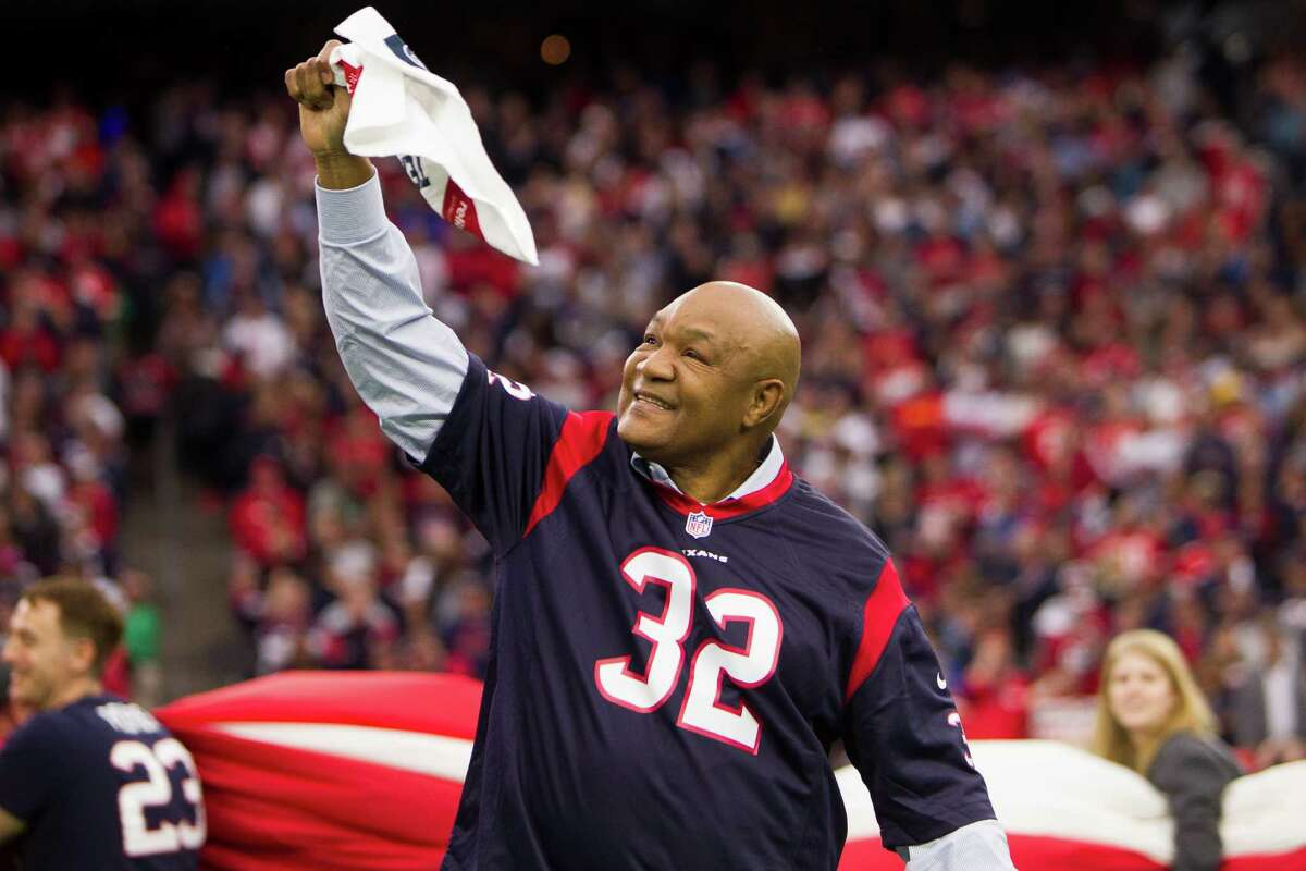 George Foreman Former heavyweight champion George Foreman is a Texans fan. >>> See more celebrities who have plenty of love for the Texans and have been spotted at games as fans.