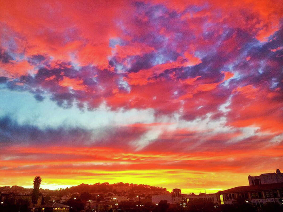 Last night's summer solstice sunset was captured by Instagramers all over the Bay Area.