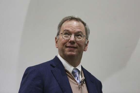 Eric Schmidt, chairman of Google Inc., arrives for a new digital age event at the London School of Economics (LSE) in London, U.K., on Thursday, May 23, 2013. U.K. Deputy Prime Minister Nick Clegg warned Schmidt to take notice of public anger over corporate tax avoidance. Photographer: Chris Ratcliffe/Bloomberg *** Local Caption *** Eric Schmidt